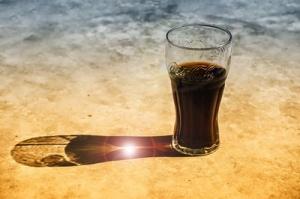Erhöht Cola das Rheuma-Risiko? Quelle: pixelio.de