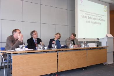 v.l. Prof. Evers, Dr. Pothmann, Dr. Gendolla, Dr. Längler